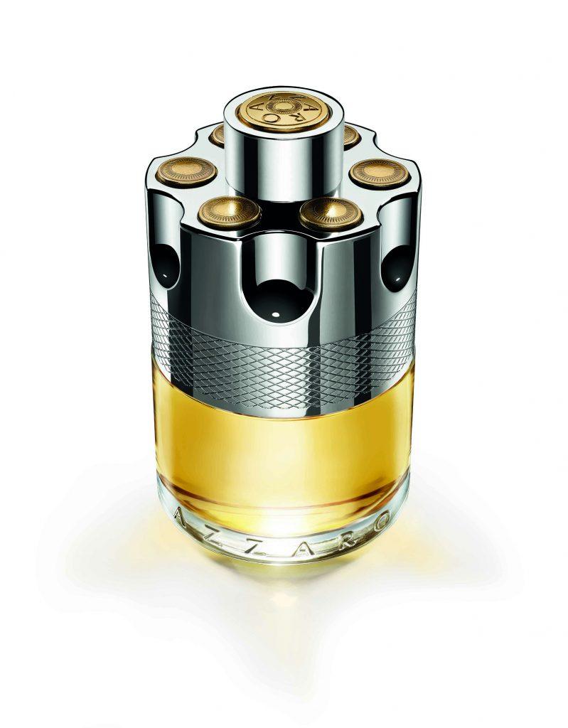 Parkshot Wanted, Azzaro está creada por el perfumista Fabrice Pellegrin y posee una identidad amaderada con destellos de limón, cardamomo y jengibre. Su frasco remite al tambor de un revólver, ya que es una auténtica arma de seducción.