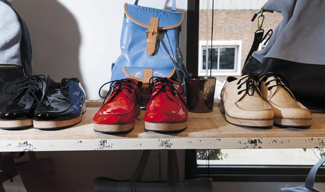 –¿Es cierto que Mishka hace zapatos modernos con los mecanismos antiguos de  diferentes oficios  ec22732b816b